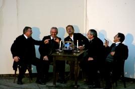 Dr. Pfeiffer und seine Freunde bei der Feuerzangenbowle